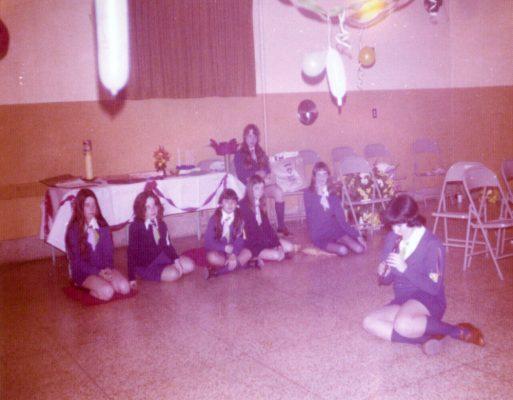 1975-Guide-fin-annee_1000x780-513x400
