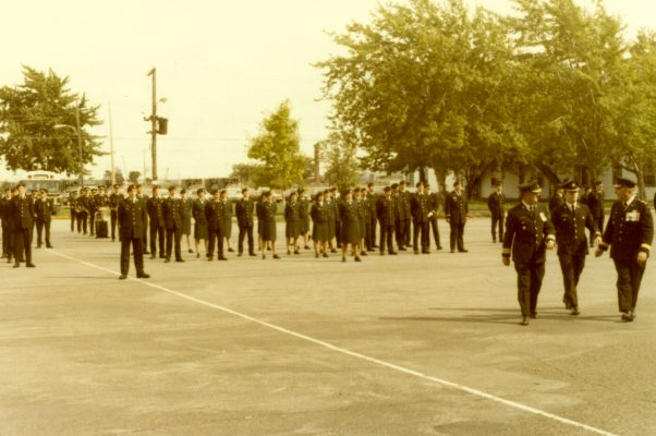 1979-Longue-Pointe-Parade-Square-Officier-sous-lieut-2-602x400