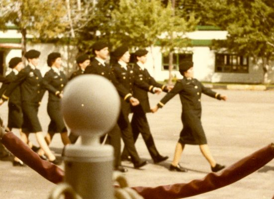 1979-Longue-Pointe-parade-Square-Officier-sous-lieut-4-551x400